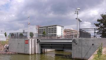 projekt image - Hochwasserschutz und Küstensicherung <br> im Stadtgebiet Heiligenhafen <br> Verschlussorgan Elefantenbrücke