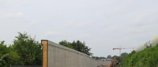 09-046 - Foto 2 - Erdseitige Ansicht der Stützwand