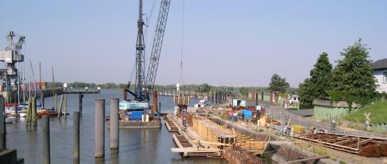 Hafenbau_Kaimauern_Glueckstadt_1_Blick auf die Baustelle