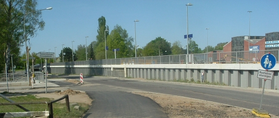 Stützwand Bahnsteig