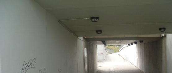 Tunnel Durchsicht mit Rampenanlage